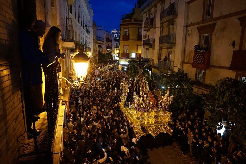Semana-Santa-Sevilla-01
